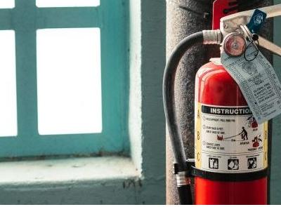 Revizia intretinerea sistemului de stingere a incendiilor